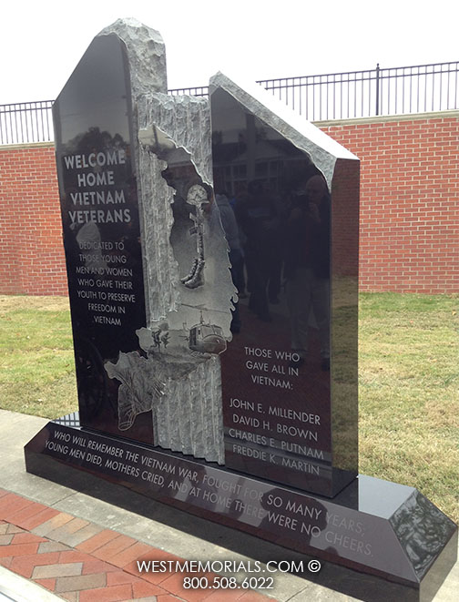 Vietnam Veterans Savannah Tn Monument In Black Granite