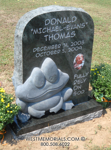 Thomas Frog Carving For Baby Headstone In Green Granite